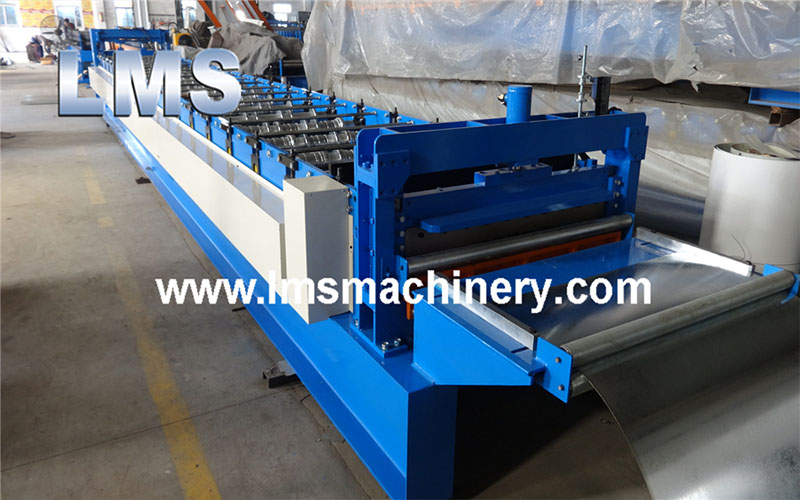 roof decking machine